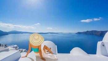 santorini-vacation-incentive-525x295.jpg