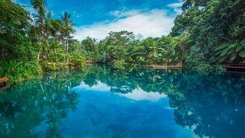 Vanuatu-Port-Villa-Vacation-Incentive-location-525x295.jpg