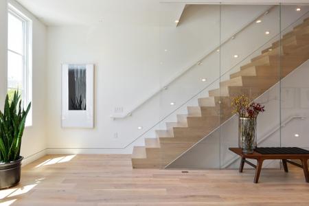 modern-white-staircase