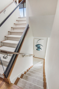 Modern-staircase-and-handrail