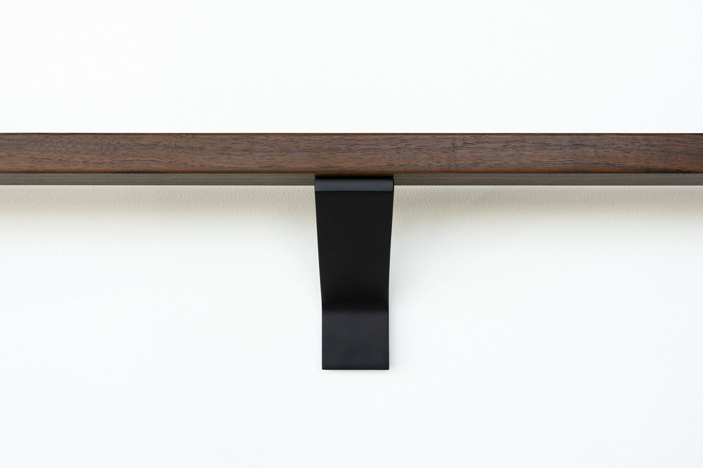 Black-modern-handrail-bracket