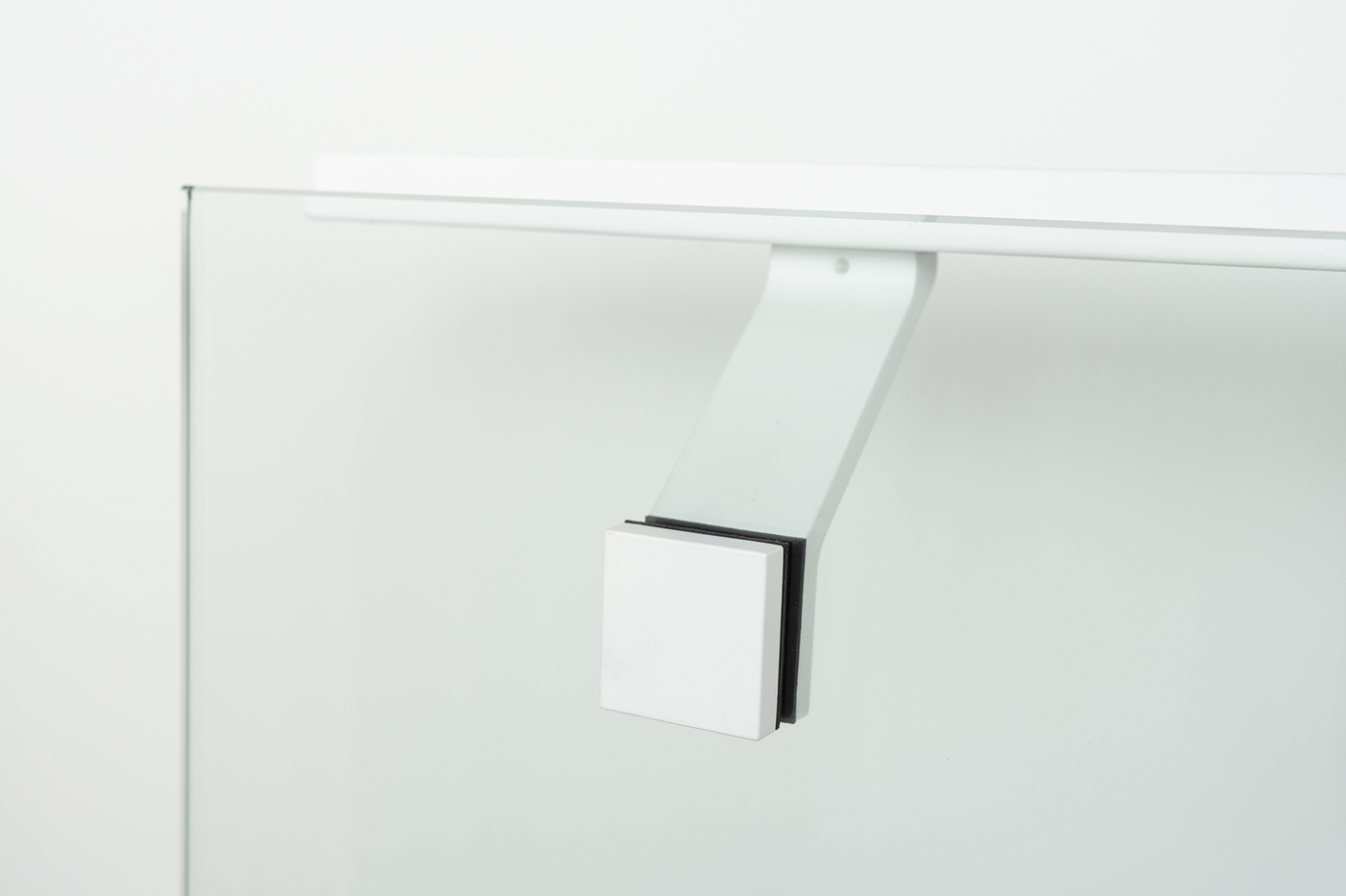 Modern-glass-mounted-handrail-bracket
