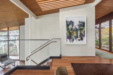 Modern-living-room-and-staircase