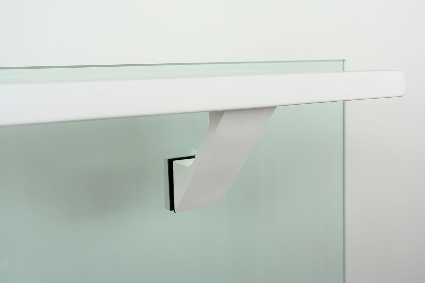 Modern-white-glass-mounted-handrail-bracket