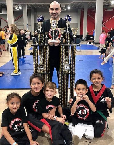 tournament big trophy pic, kaylina, aryana, nichole,mason, julian.jpg