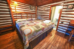Cabin-5-bedroom-1-5b5f84950a967-1140x759.jpg