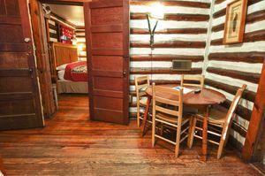 Cabin-8-dining-area-5b563bd6c8051-1140x758.jpg
