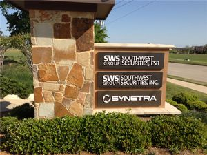 Synetra-monument-sign.jpg