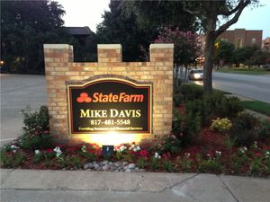 mike-davis-state-farm-lit-monument-sign_1.jpg