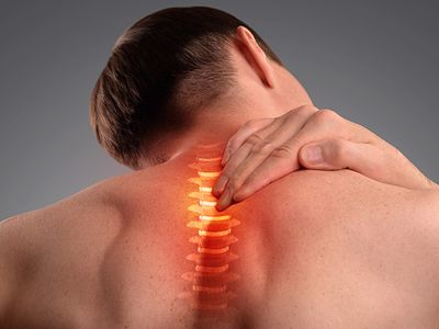 spine with pain indicators