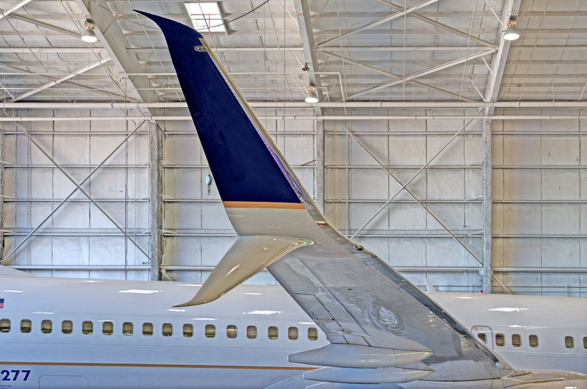 United Airlines Boeing 737 receives Winglet and Scimitar flight surfaces