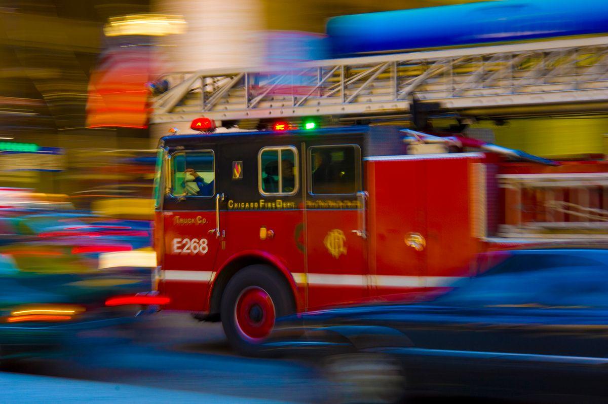 Chicago Hook & Ladder Fire Truck in Traffic