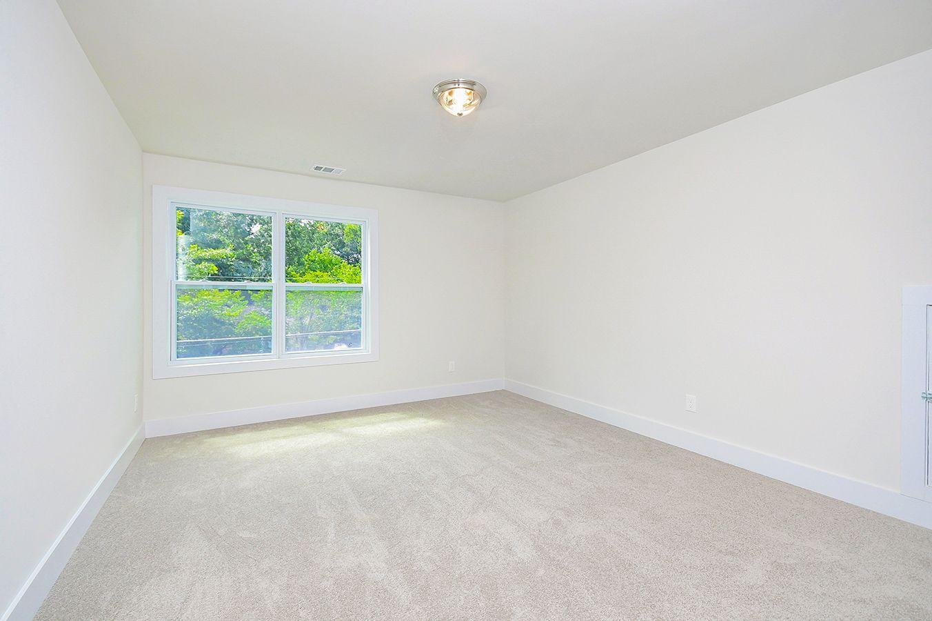 Upper_Level_Bedroom1.jpg