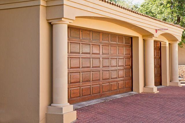 real-estate-374190_640.jpg