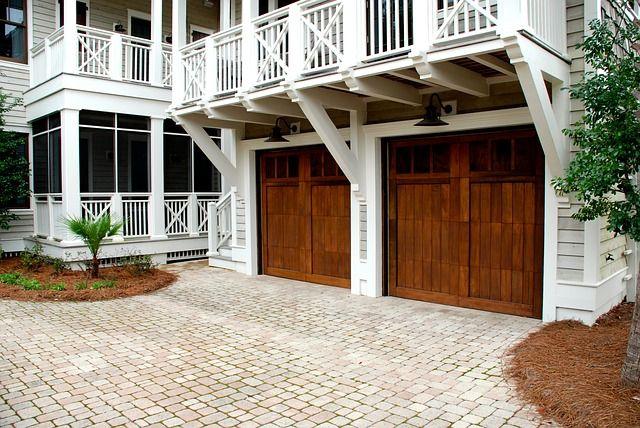 garage-door-2578742_640.jpg