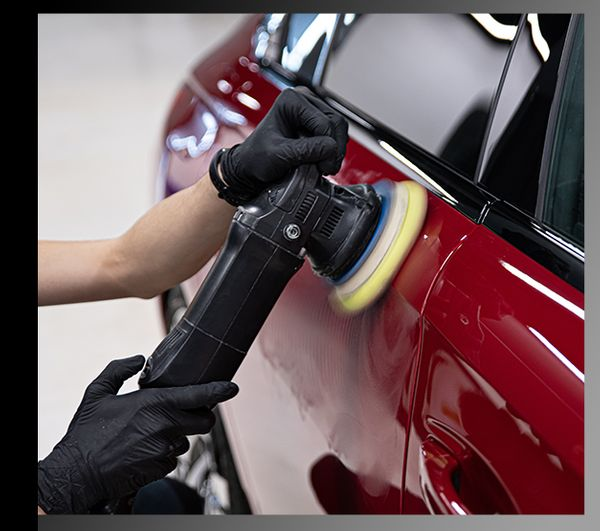 You detailing crew will clean and ensure your car's exterior is shining!