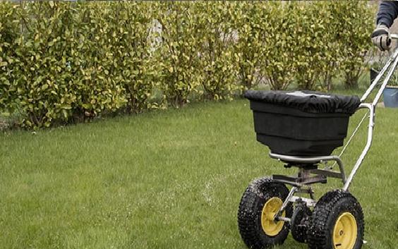 lawn-fertilization-in-the-fall-in-wilmington-ma.png