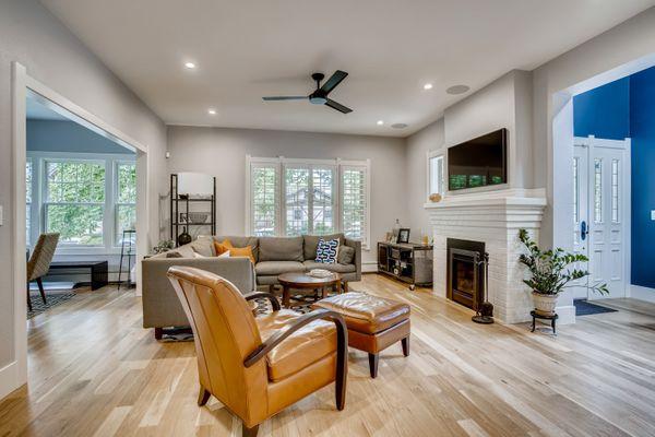Living room 4 (1).jpg
