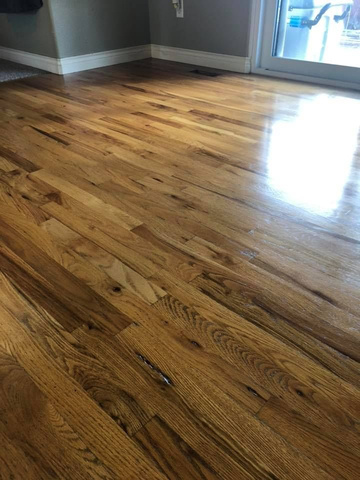 Hardwood Floor .jpg