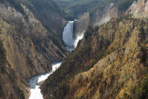 yellowstone-waterfall.jpg