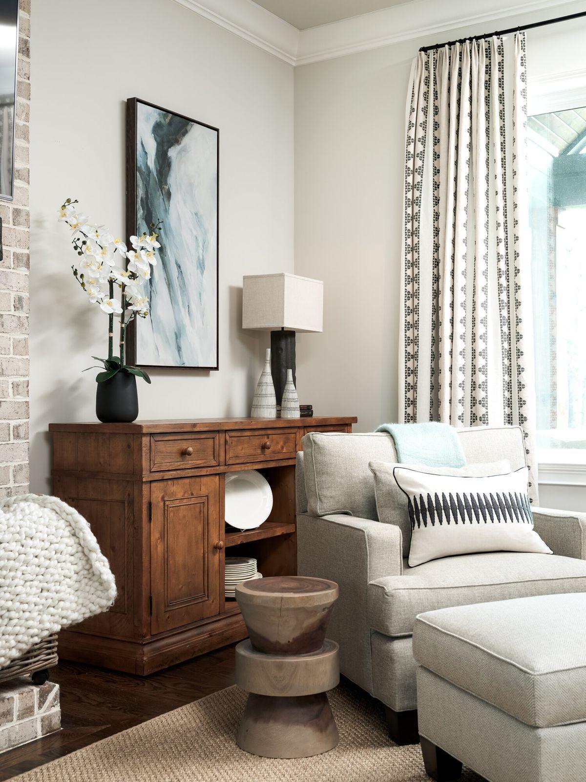 Family+room+vertical+Vingette+Angle+of+Chair_09.jpg