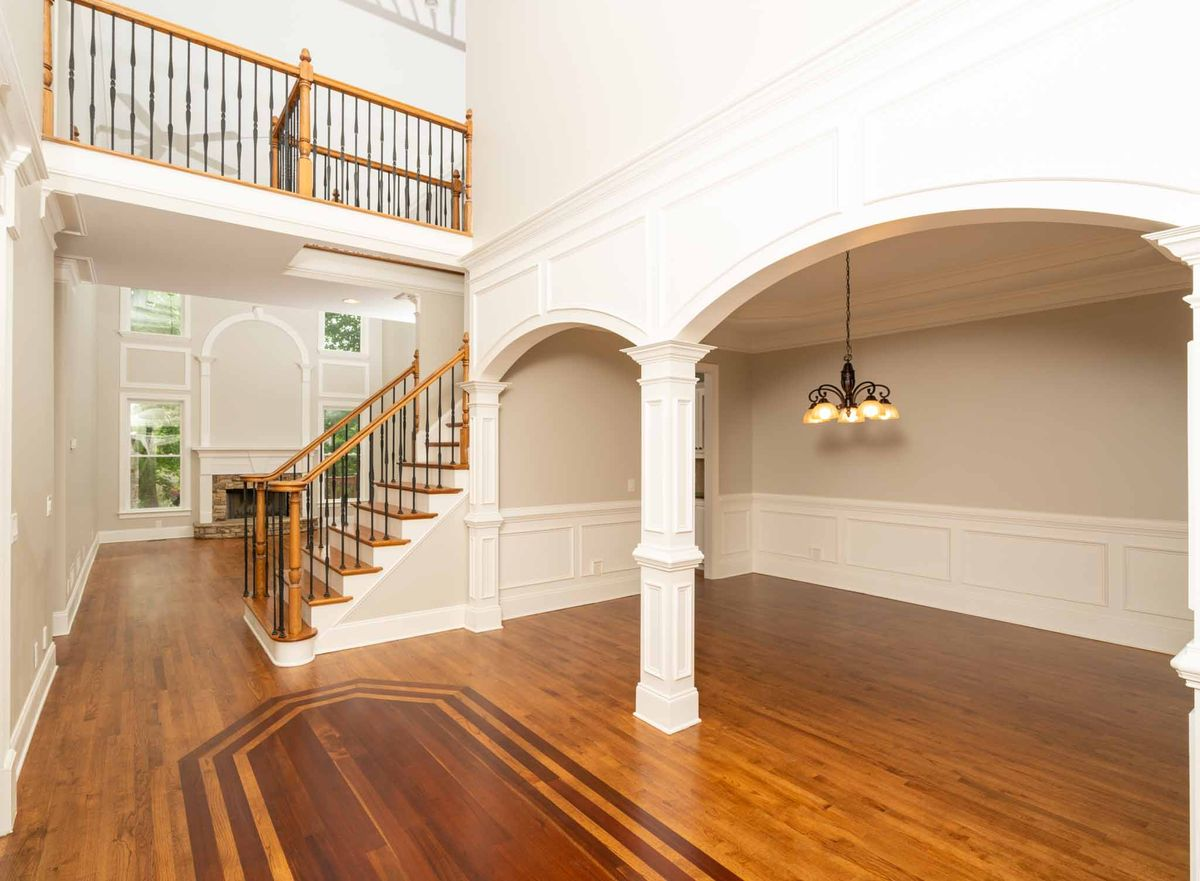 2 STORY FOYER AND CAT WALK