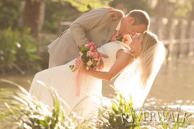 marriage_island_marshal_._christina_1_800x_logo_2014.jpg