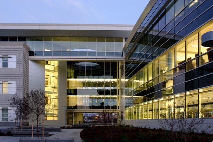 Image of a school building.