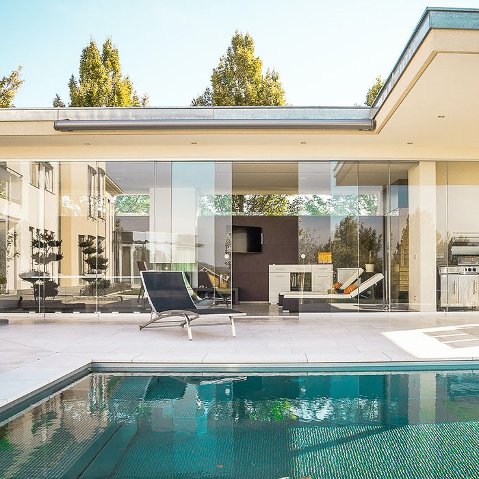 Luxury home insured with CED 1976