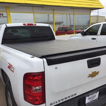 Truck with bed cover