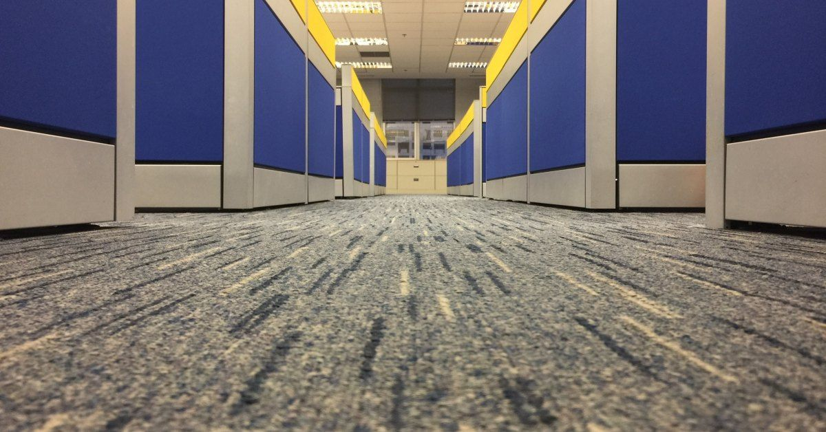 5-Signs-You-Need-to-Replace-Your-Office-Carpet-5cc22220e9c17.jpg