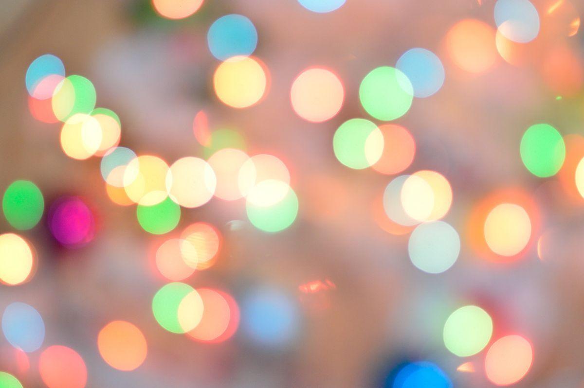 defocused-image-of-illuminated-christmas-lights-255377.jpg