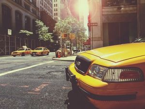 picture of a taxi