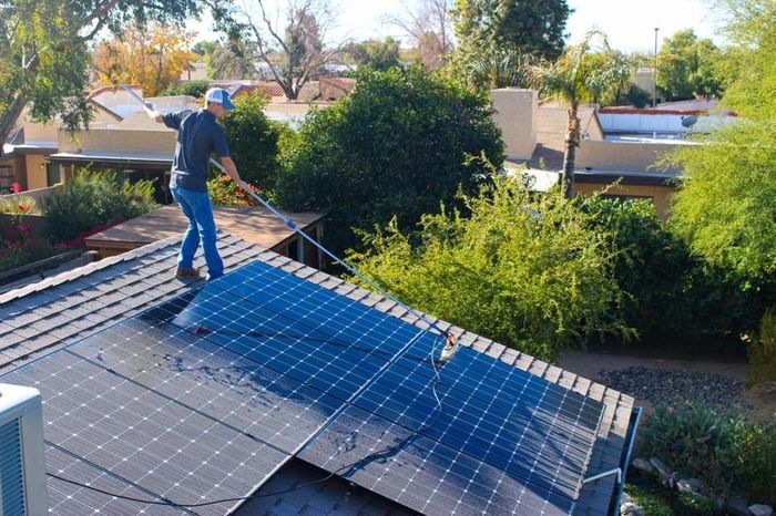 home solar panel cleaning