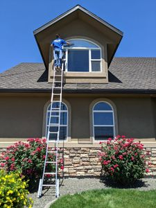 Paradise Valley, Cave Creek, Carefree Residential Window Cleaning