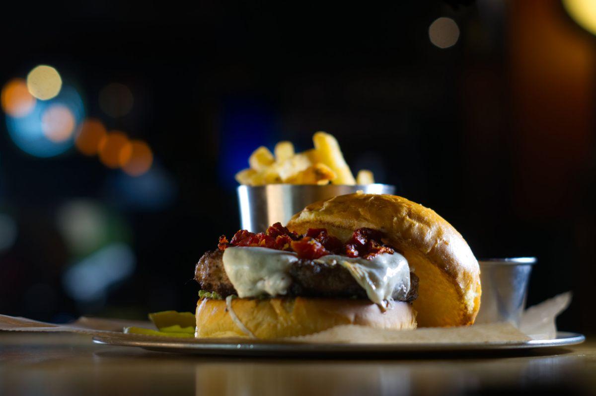 DSC05586+pesto+burger.jpg