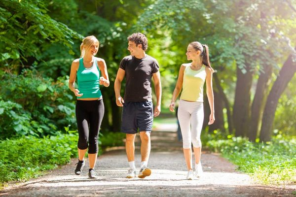 01-walking-for-exercise-stroll-with-friends-980x653.jpg