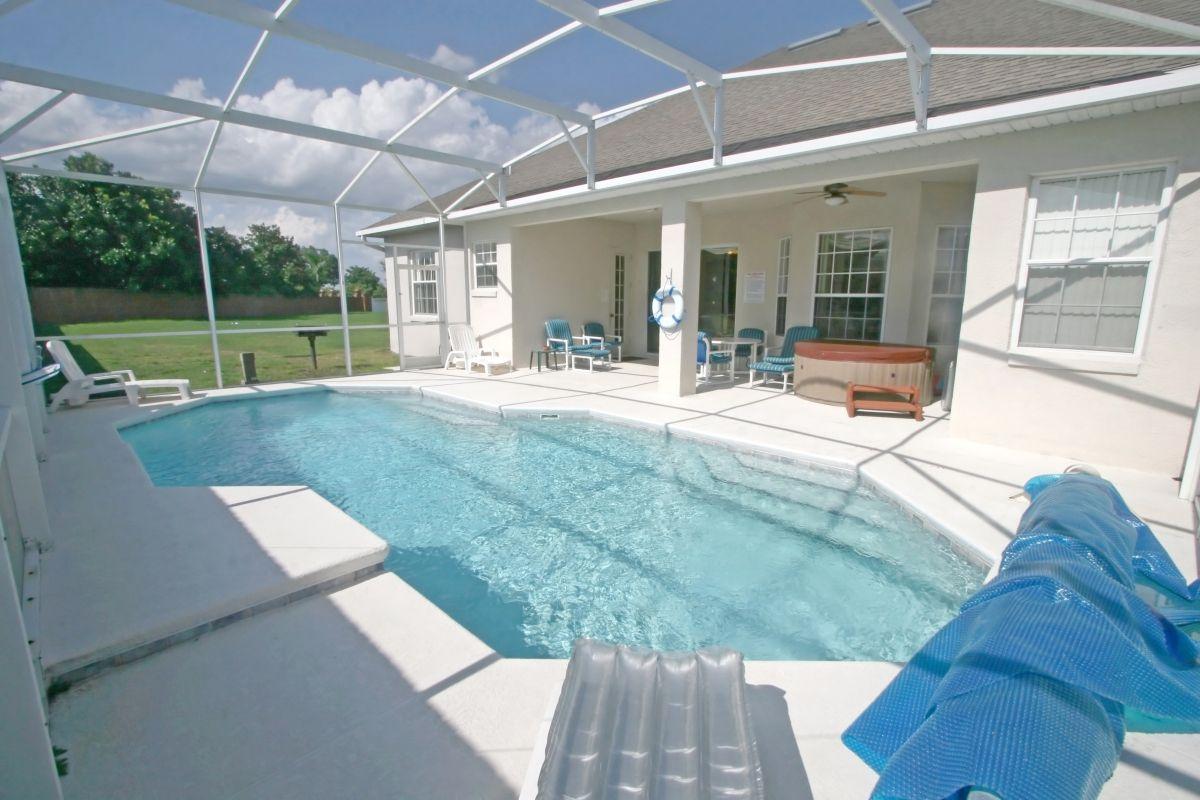 How Pool Resurfacing Works