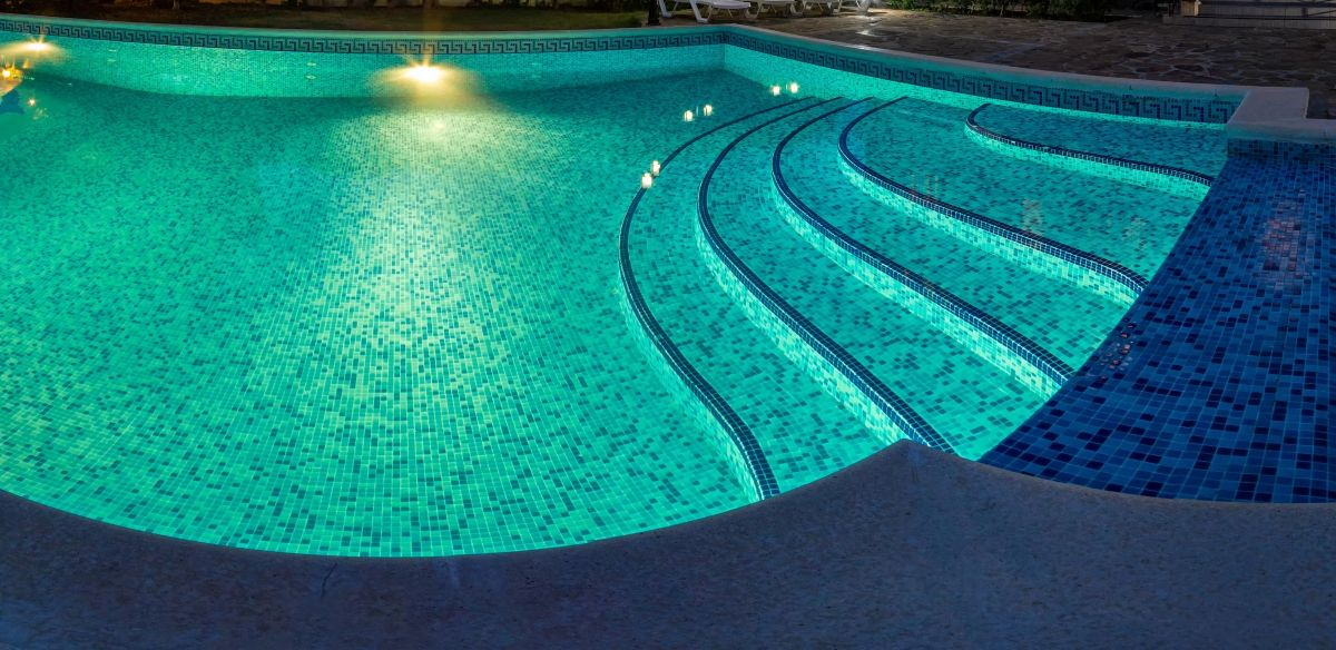 What Is Pool Plastering?