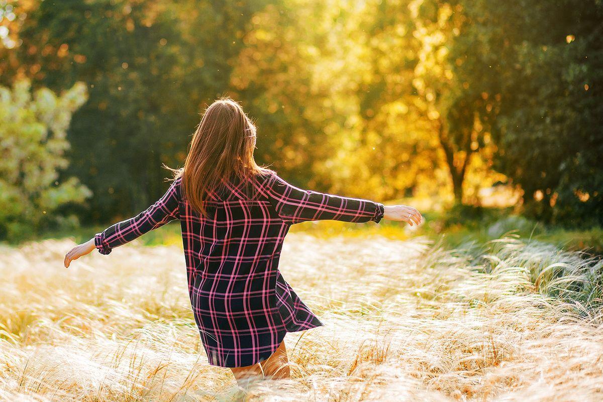 resizedbigstock-A-Beautiful-Young-Brunette-Wal-390796427.jpg