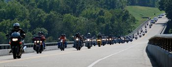 motorcycle-wave-riding-in-large-groups.jpg