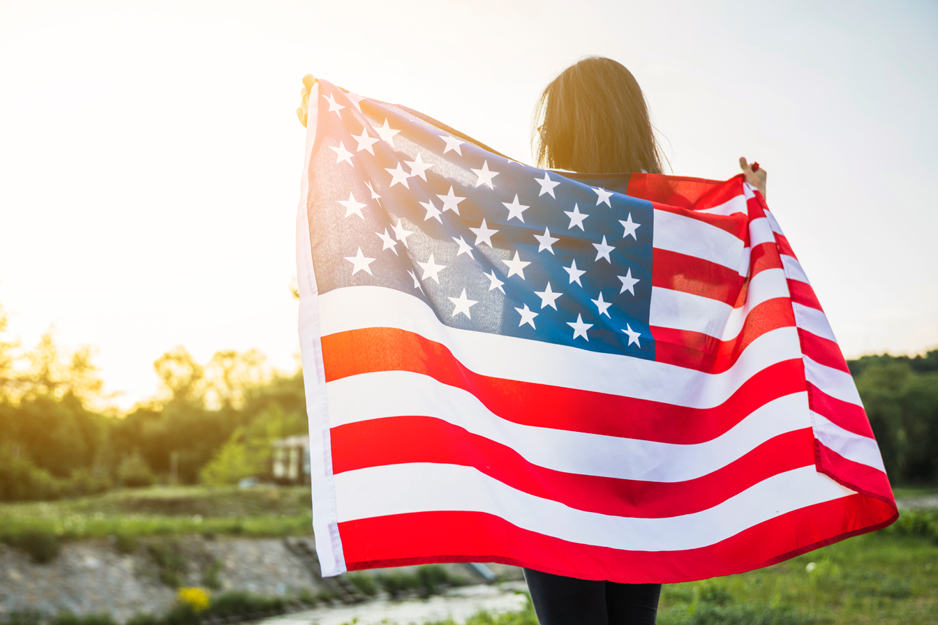 blog-usa-independence-day-concept-with-woman-nature.png