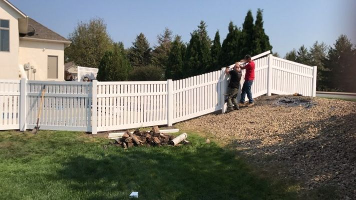 PROJECTS-RECENT-FENCE-1-980x551.jpg