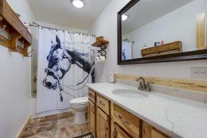 Bathroom-1-5fa998064676f-1381x921.jpg