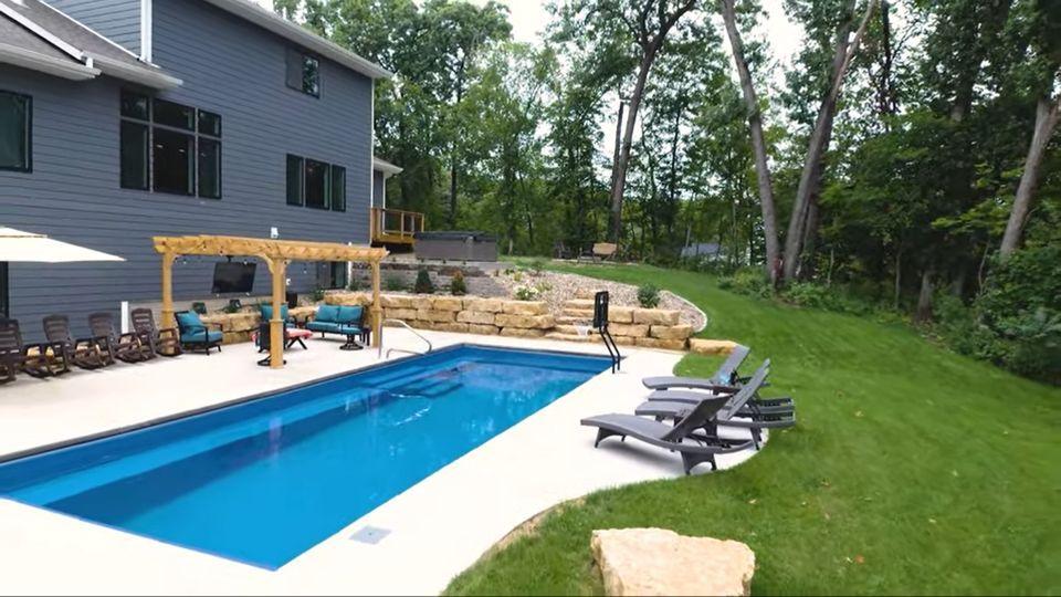 Imagine Pools Marvelous 40 Ocean Blue IA 2020-0622-2.jpg