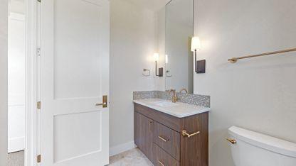 17-Bathroom-1-22.jpg