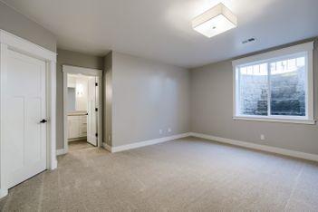 Downstairs Bedroom 3.jpg