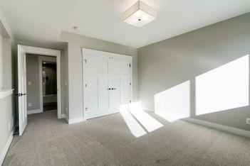 Downstairs Bedroom 2b.jpg