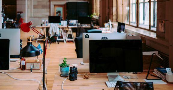 Employee-6-5baa7e341623f-1200x628.jpg