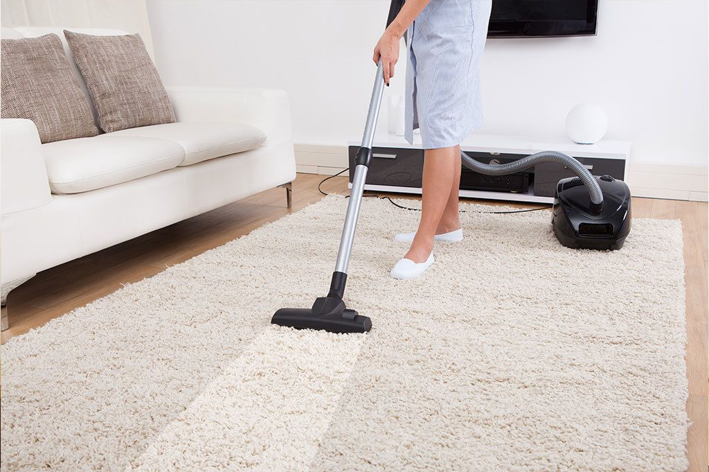 carpet cleaning rug in living room